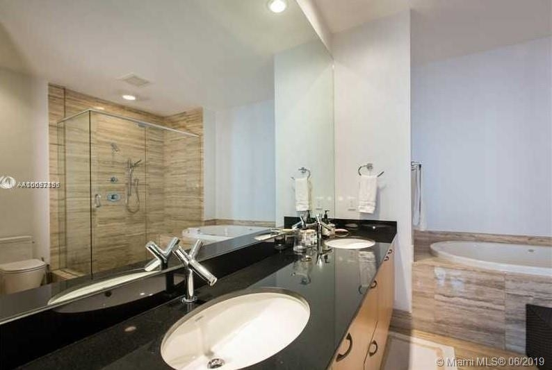15901 Collins Ave - Photo 54