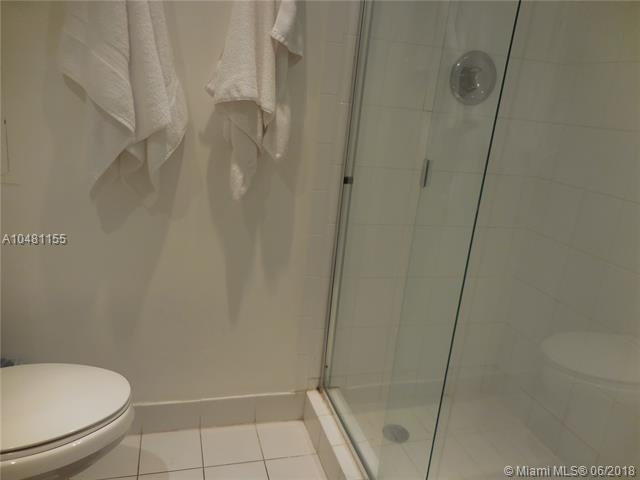 5161 Collins Ave - Photo 38