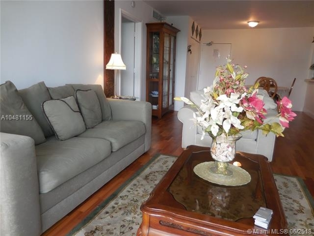 5161 Collins Ave - Photo 10