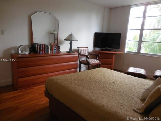 5161 Collins Ave - Photo 28