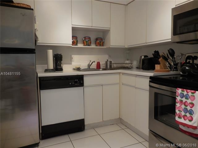 5161 Collins Ave - Photo 63