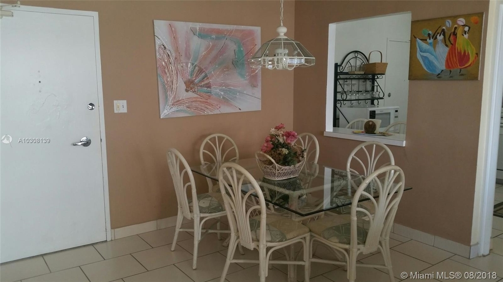 5161 Collins Ave - Photo 32