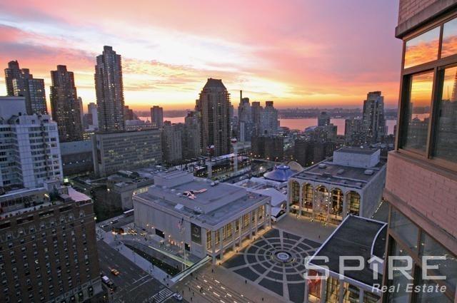 Lincoln Plaza - Photo 1