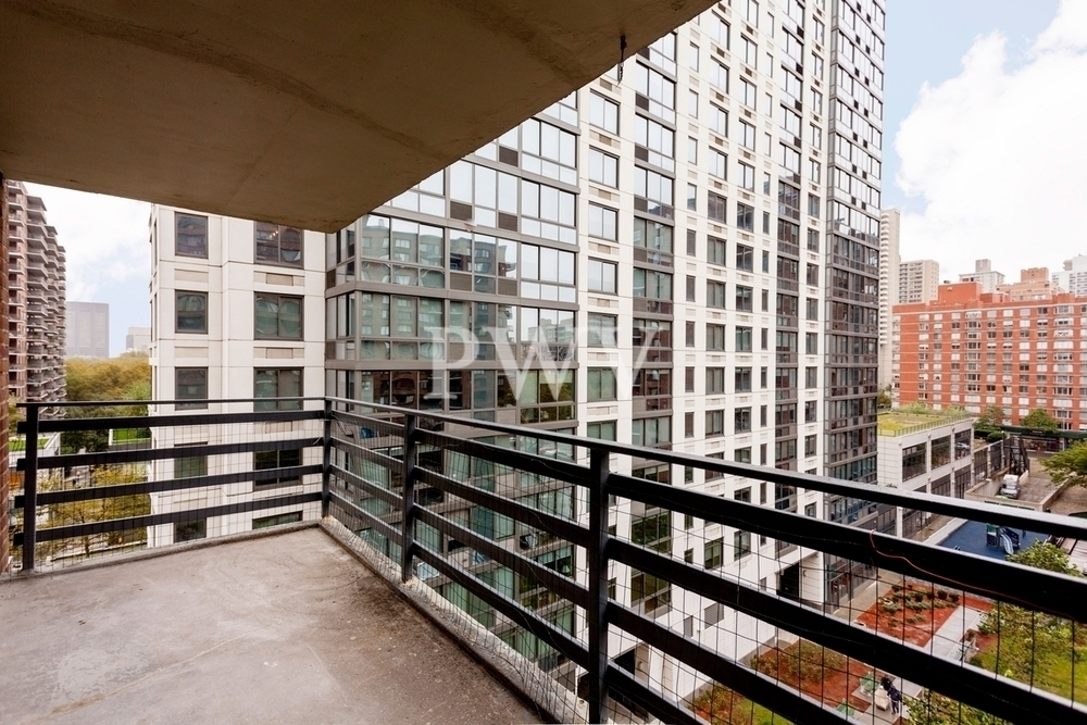 West 97th and Columbus avenue! - Photo 1