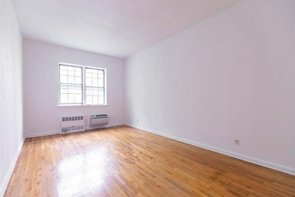 333 East 54th Street - Photo 5