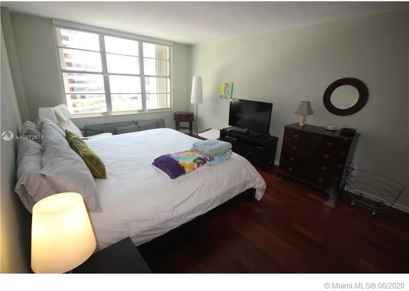 5161 Collins Ave - Photo 18