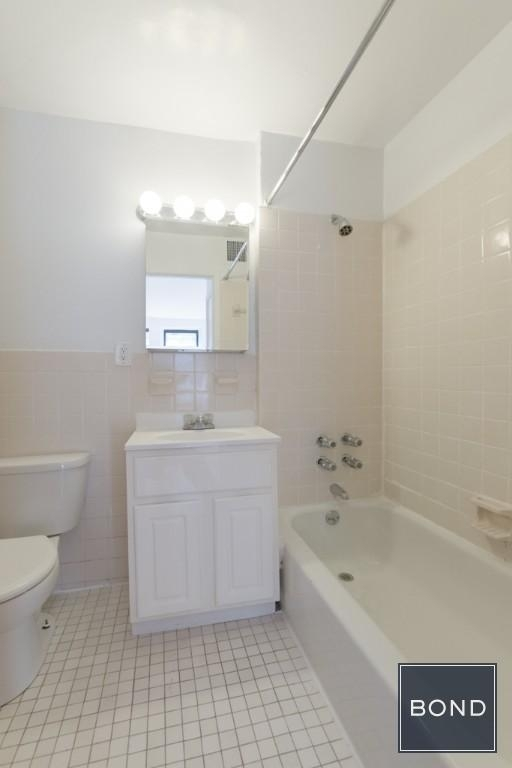 947 First Avenue - Photo 3