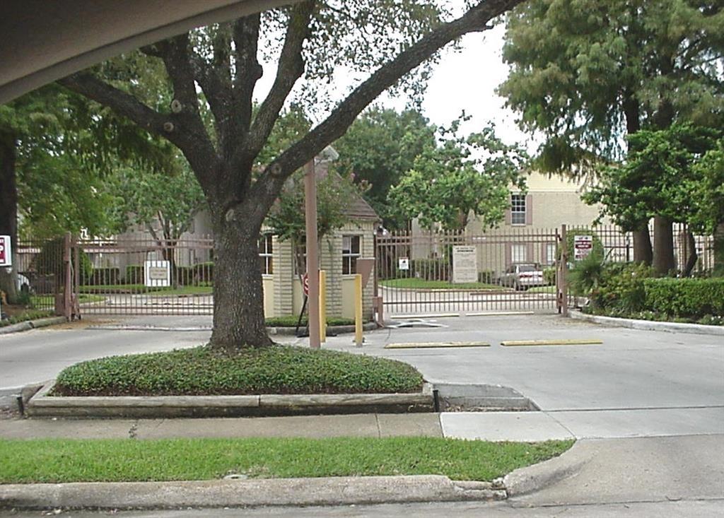 2120 El Paseo Street - Photo 2