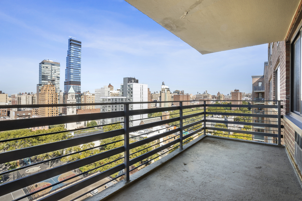 West 97th and Columbus avenue - Photo 0