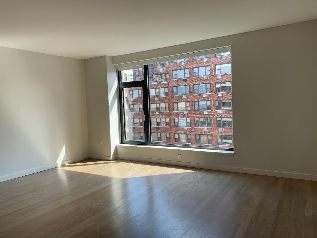 515 East 86th Street - Photo 1