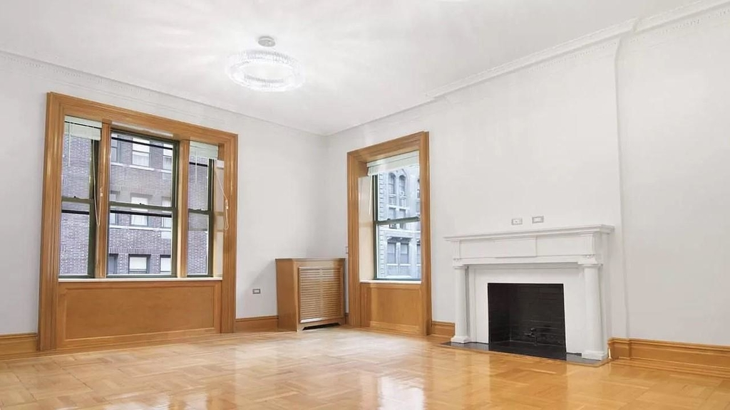 853 Seventh Ave - Photo 4