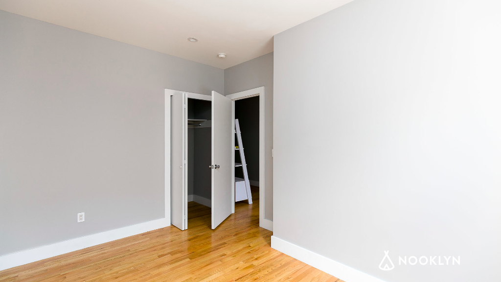 1571 Sterling Place - Photo 11