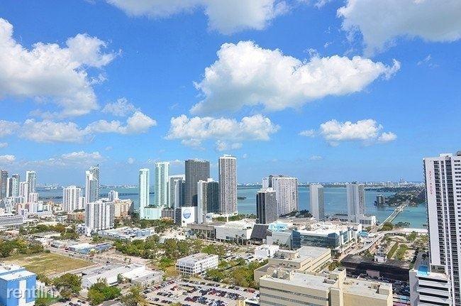 1601 Northeast Miami Place - Photo 11