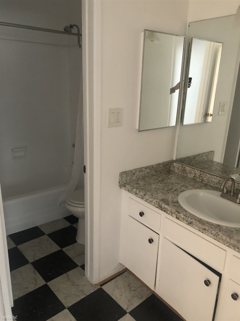 1743 Garfield Pl Apt 110 - Photo 5
