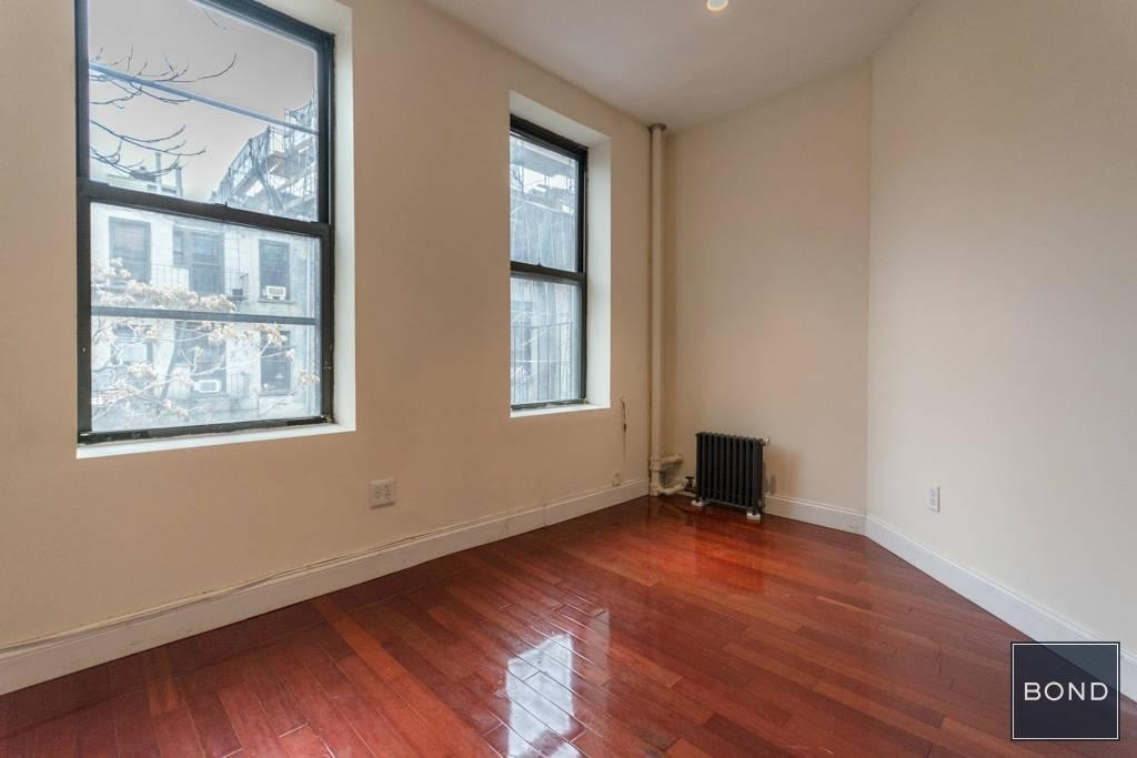 256 East 10th Street - Photo 4
