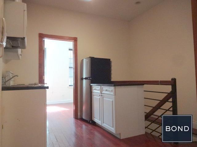 256 East 10th Street - Photo 6