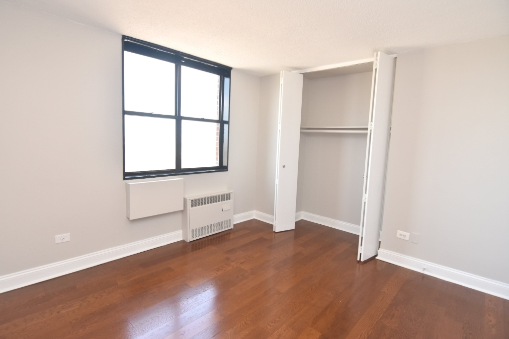 3333 Broadway - Photo 9