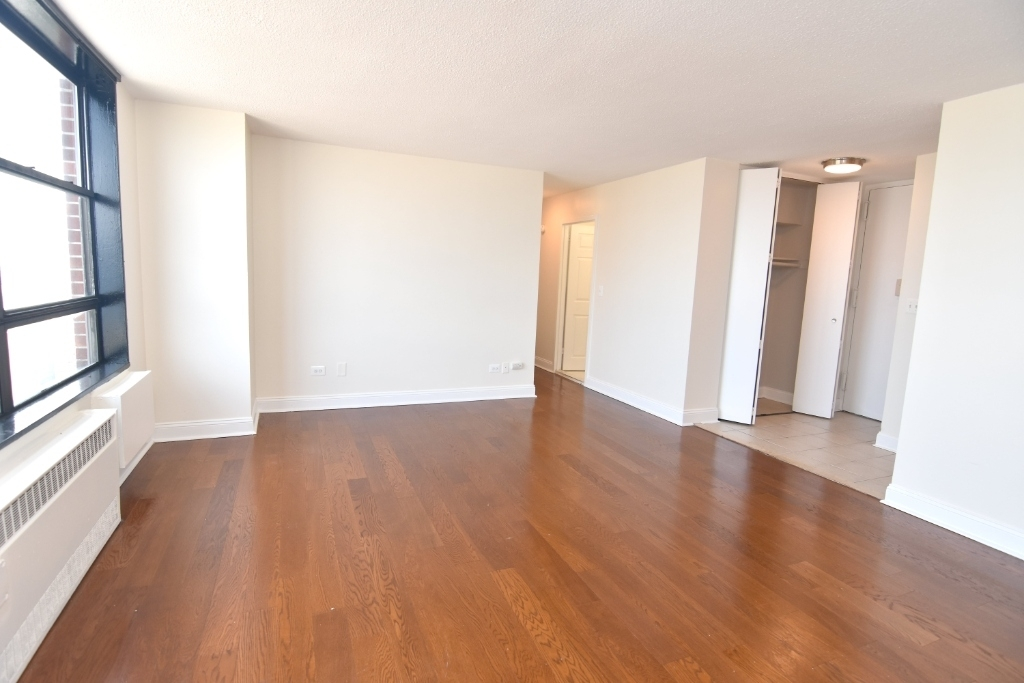 3333 Broadway - Photo 2