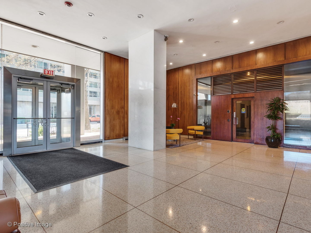3600 North Lake Shore Drive - Photo 18
