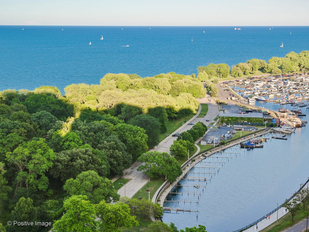 3600 North Lake Shore Drive - Photo 13