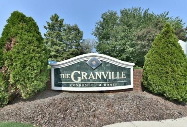 127 Granville Court - Photo 0