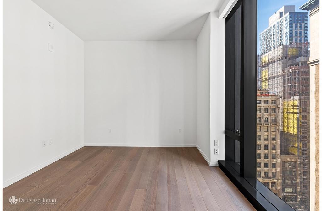 277 Fifth Avenue - Photo 4