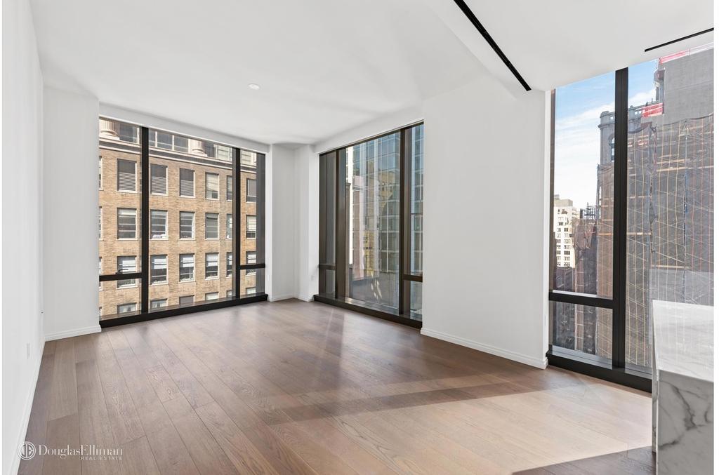 277 Fifth Avenue - Photo 0