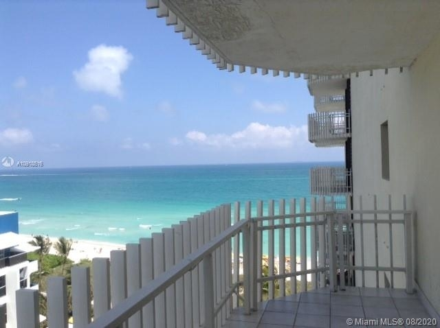 6061 Collins Ave - Photo 0