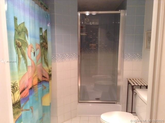 6061 Collins Ave - Photo 11