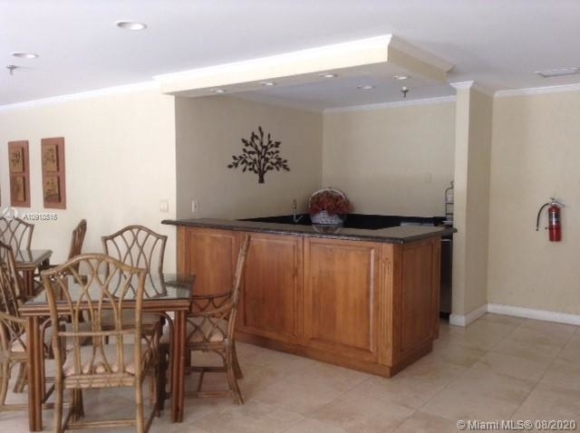6061 Collins Ave - Photo 19