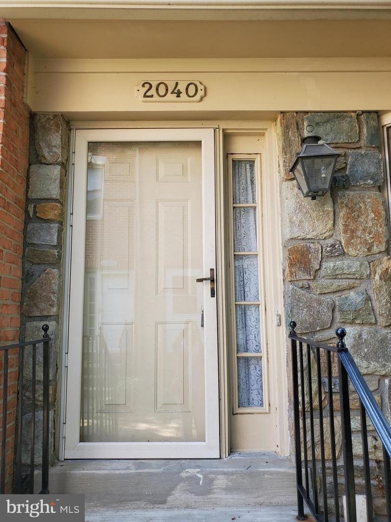 2040 6th Street S - Photo 1