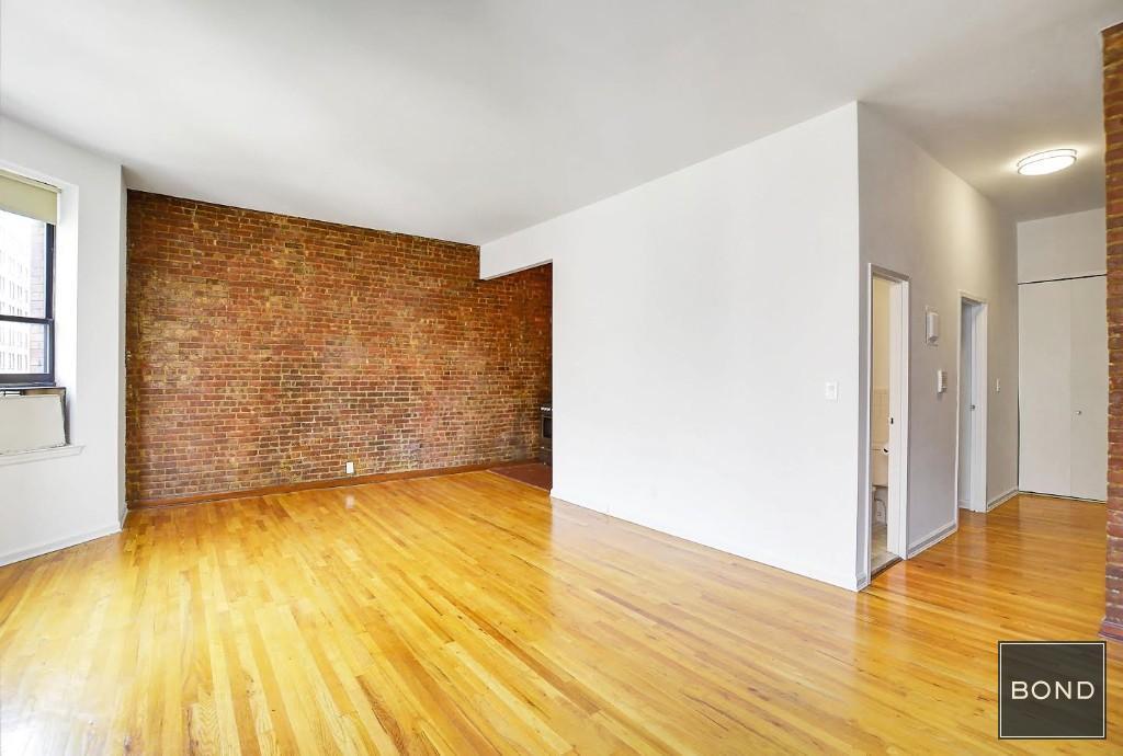 310 West 80th Street - Photo 2