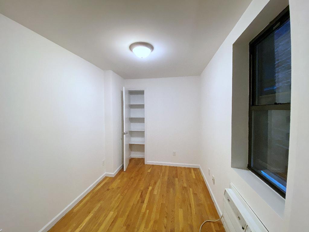 431 East 73rd Street - Photo 4