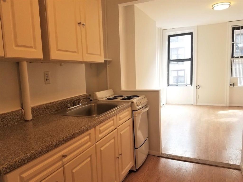 217 East 29th Street - Photo 1