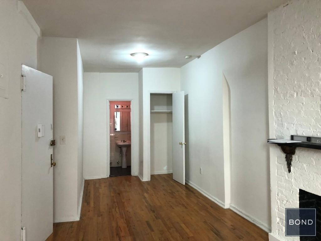 244 East 24th Street - Photo 2
