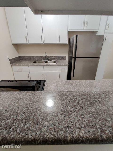 6016 Franklin Ave - Photo 1