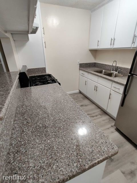 6016 Franklin Ave - Photo 0