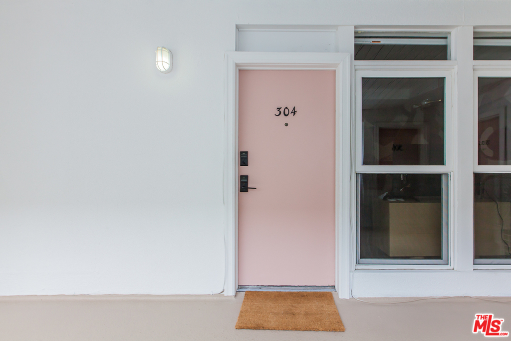 6871 Franklin Ave - Photo 15