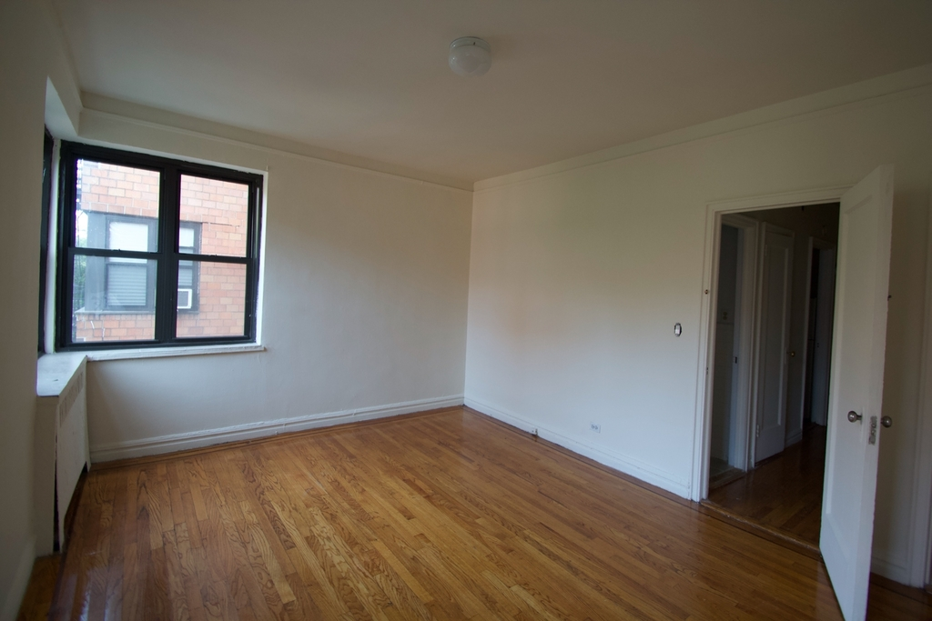 30 Park Terrace East - Photo 3