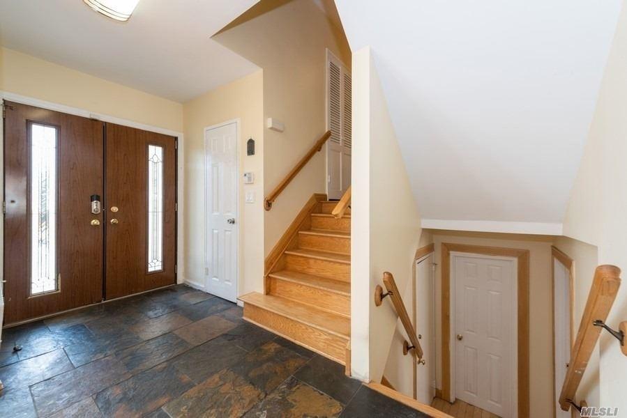 908 Eileen Terrace - Photo 1