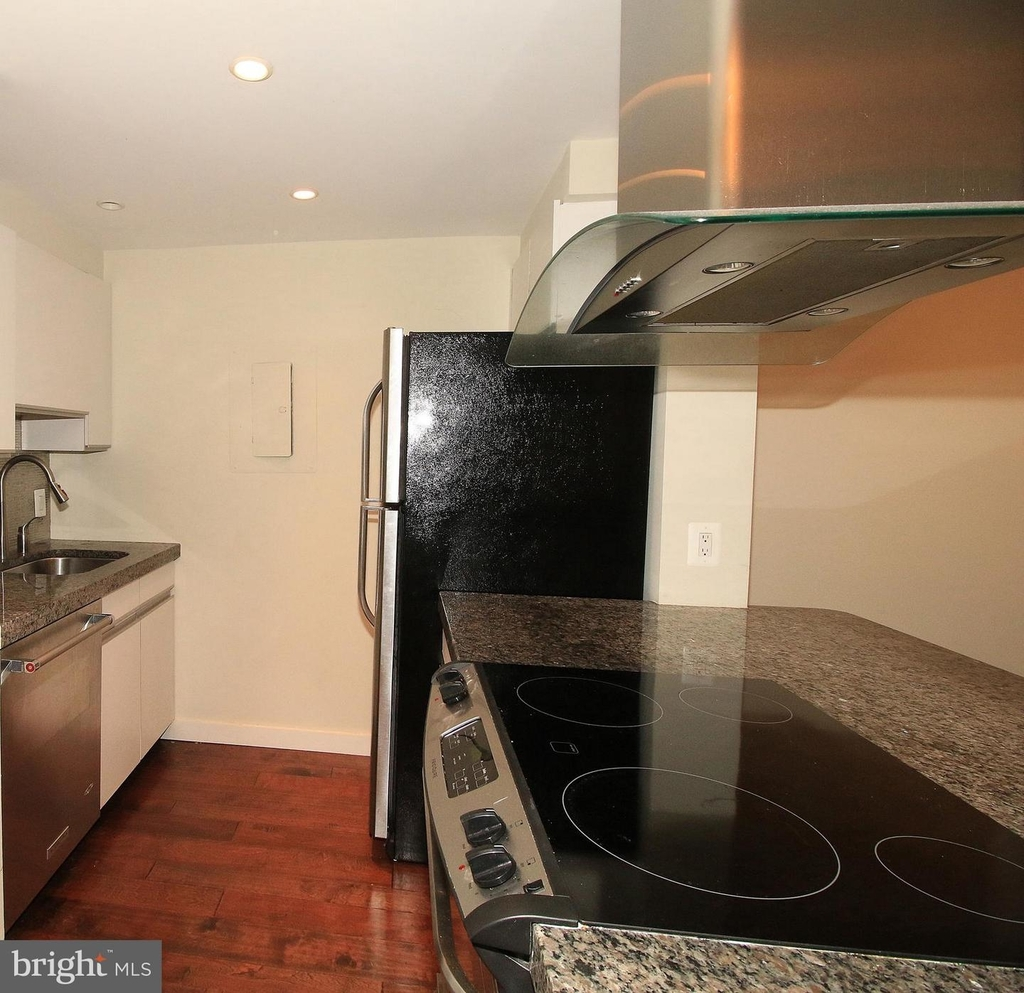 1140 23rd St Nw #105 - Photo 7