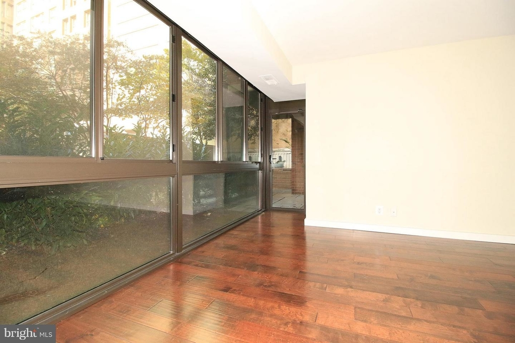 1140 23rd St Nw #105 - Photo 3