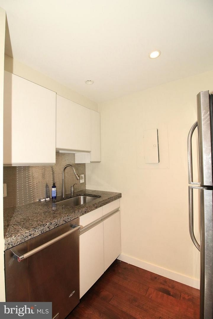 1140 23rd St Nw #105 - Photo 8