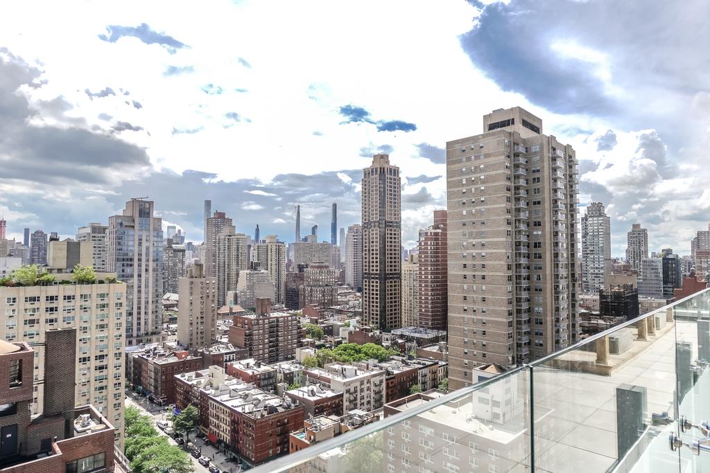 515 East 86th Street - Photo 5