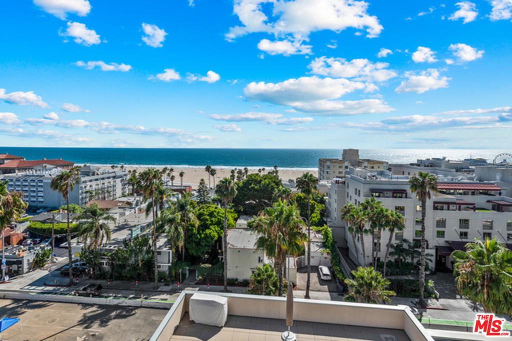 1755 Ocean Ave - Photo 29