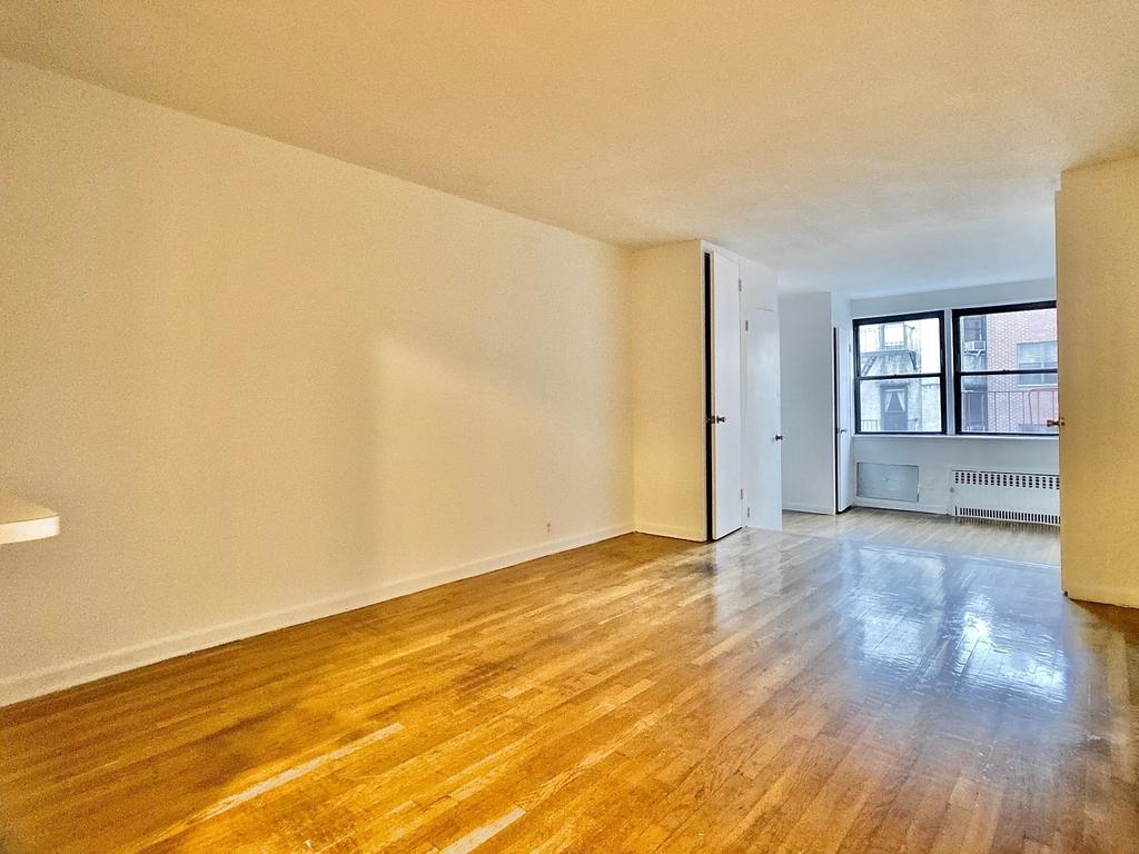 239 East 80th Street - Photo 2