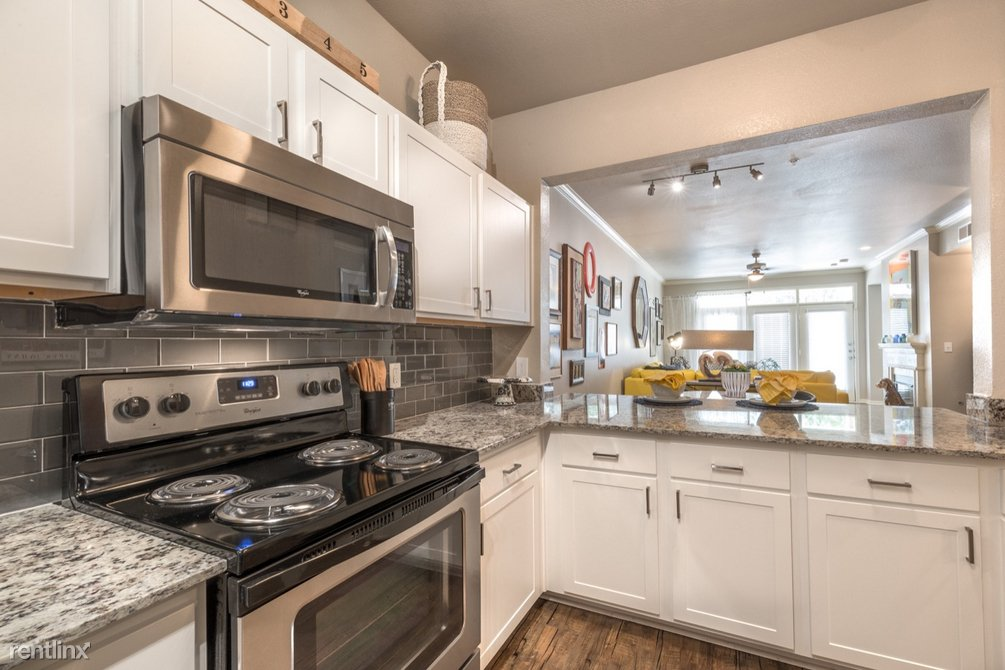 7777 Forest Ln - Photo 3
