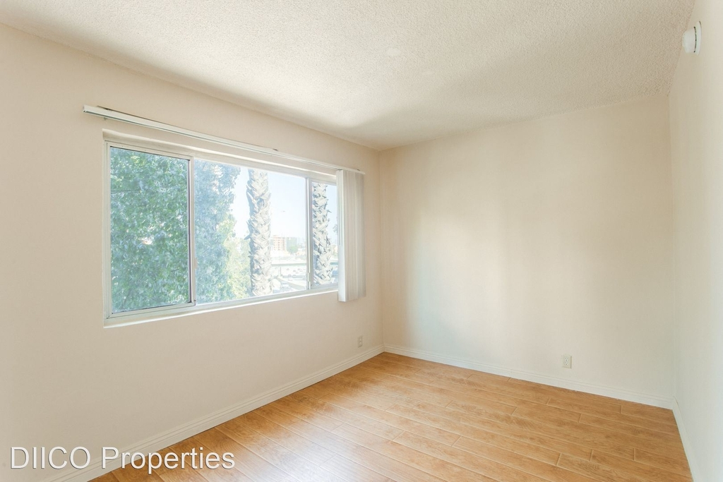 1811 Tamarind Ave - Photo 5