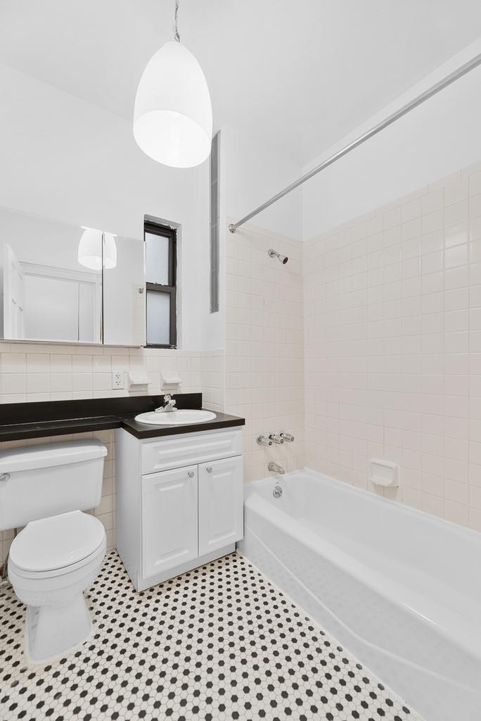 121 Madison Avenue - Photo 5