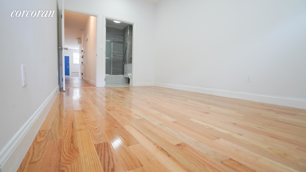 573 Franklin Avenue - Photo 3
